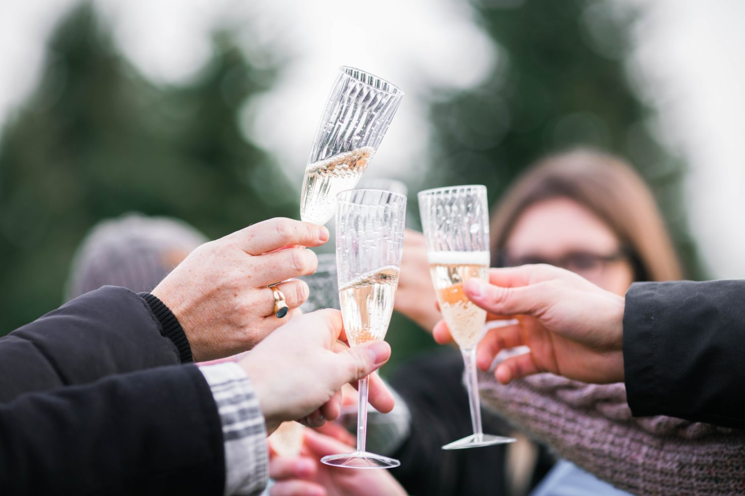 7 Budget Tips for Wedding Guests